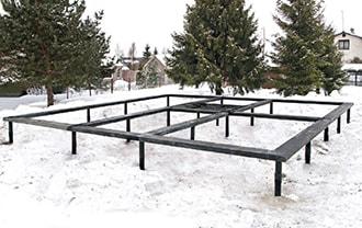 Фундамент на винтовых сваях в Северске. Зимнее строительство в Северске на винтовых сваях недорого.